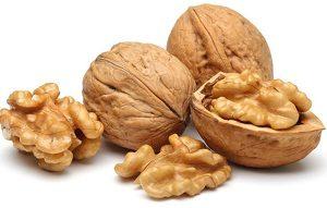Орехи при грудном вскармливании (грецкие, кедровые, кешью), сколько их можно кормящей маме в первый месяц при лактации, бывает ли на них аллергия