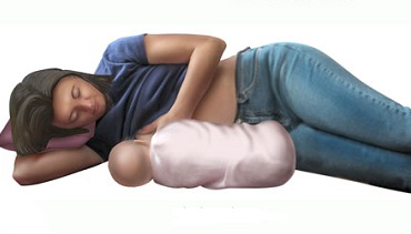 лежа на боку
